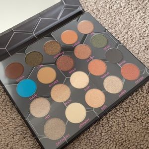 Barbarella eyeshadow palette